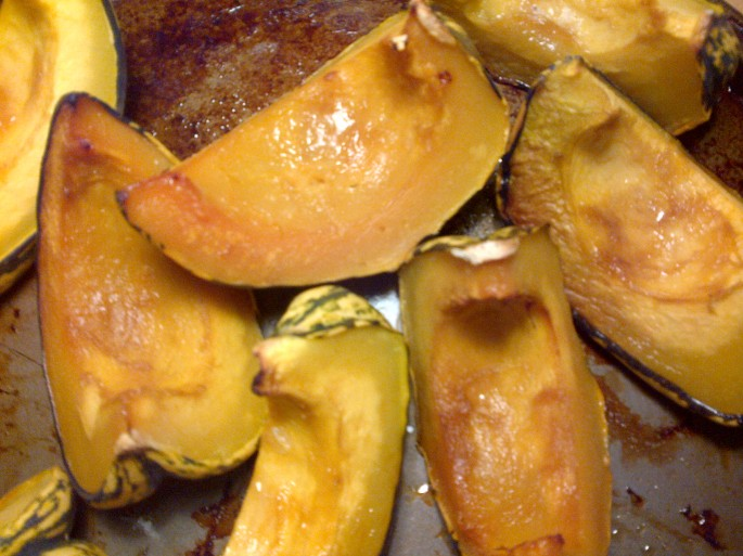 photo of baked carnival squash
